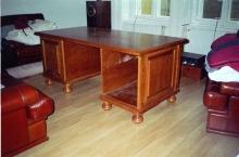 Fa bútor készítés - Cseresznyefából készült íróasztal