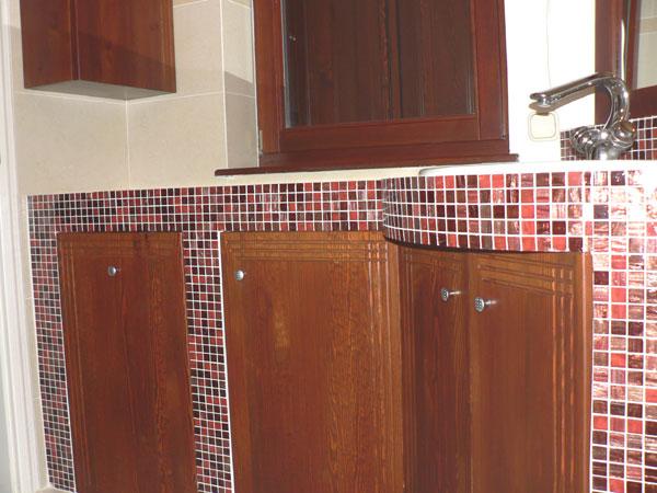 Fa bútor készítés, előszoba falburkolat és szekrény, fa fürdőszoba ...