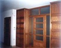 Könyvtár bútor - Tölgy ajtó és falborítás (térelválasztó)